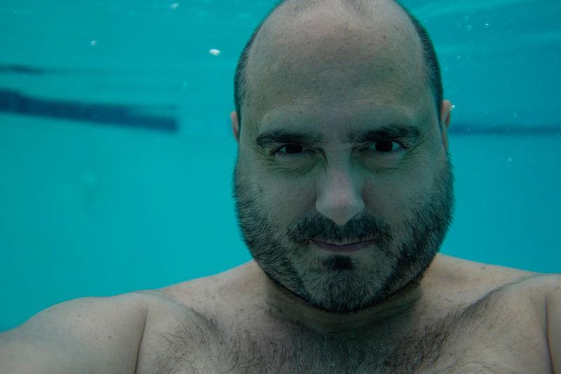 Self-portrait taken underwater with the Meikon X100S underwater housing.